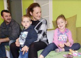 Majka zvana hrabrost: Cerebralna paraliza nije je sprečila da osnuje porodicu! (video)