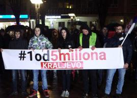 Demonstranti: Kraljevčani su celog dana bili taoci SNS