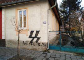 Nacistički znak na fasadi kuće