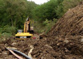 Klizište rudnika pregradilo reku, meštani strahuju da će biti poplavljeni