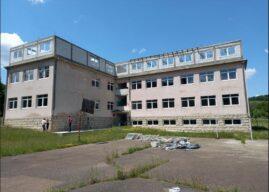 Počeli da renoviraju školu staru 125 godina, a onda inspekcija zabranila radove